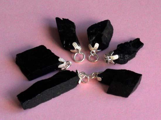 azabache-piedra-esoterica-amuleto