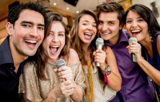cantar en grupo