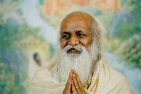 maestro indio yogui, Maharishi Manesh.