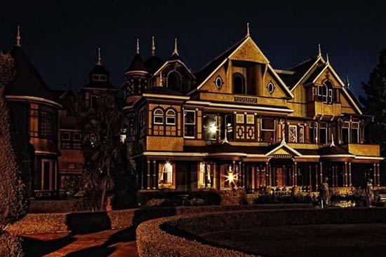 mansion-winchester-noche